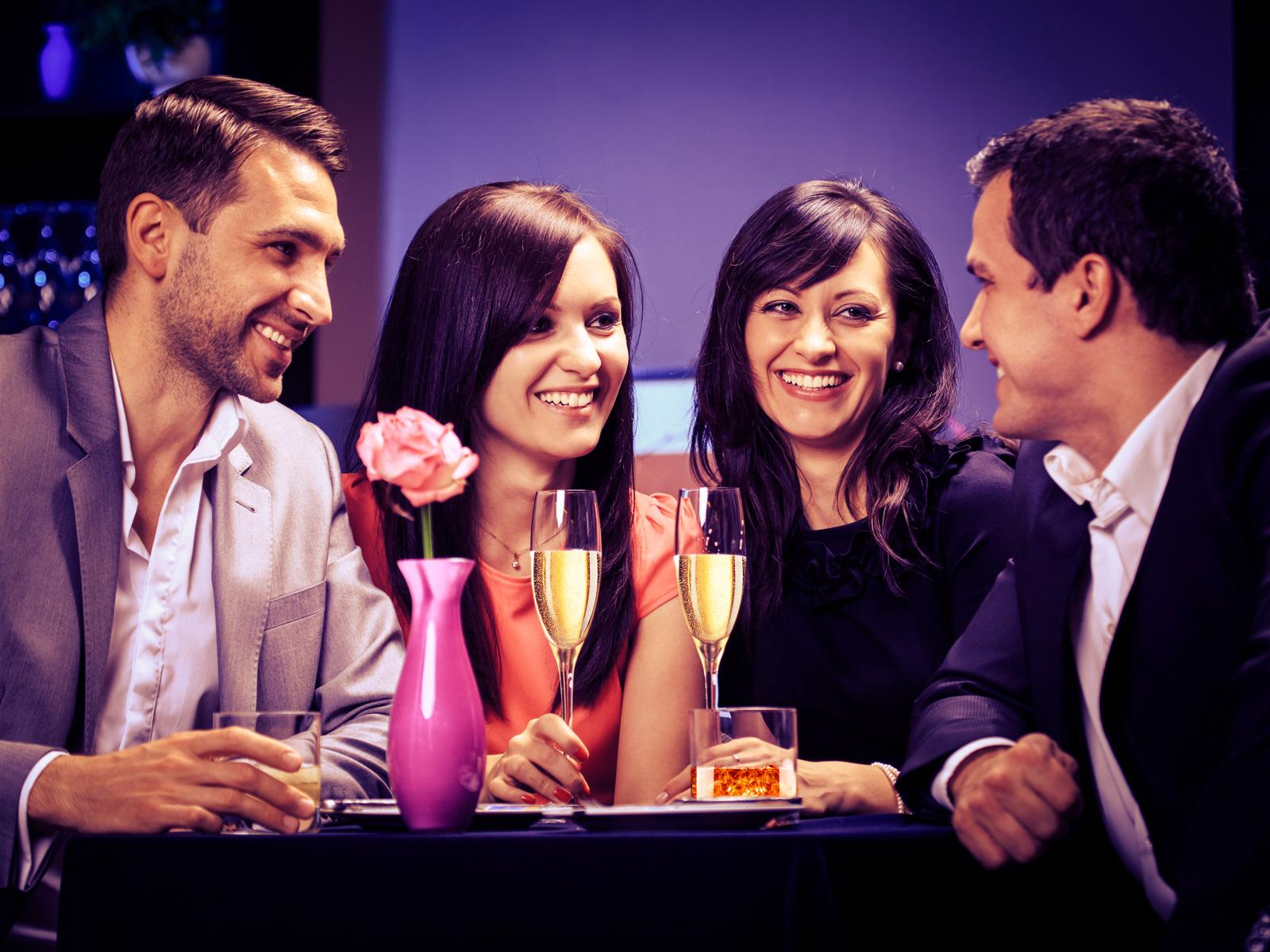 Смотреть любительские фото про свингеров, Свингеры фото обмена женами и партнерами 5 фотография