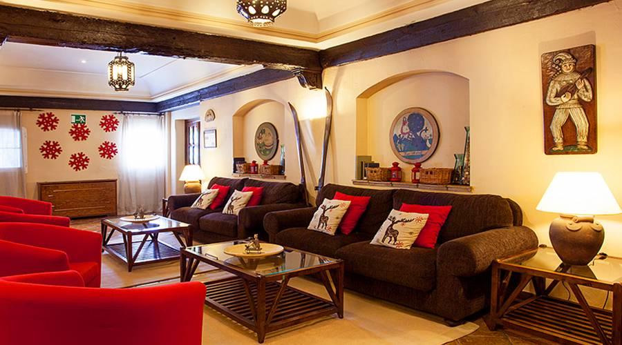 Promotions Hotel Sierra Nevada Rumaykiyya - Vincci Hotels - Book now and save -10%!